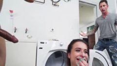 Pillada porno, su hija follando con su mejor amigo