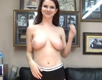 Tetona natural enculada en un casting porno