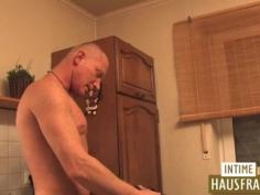 Mami follada en la cocina