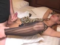 Chica con polla masturbada y follada